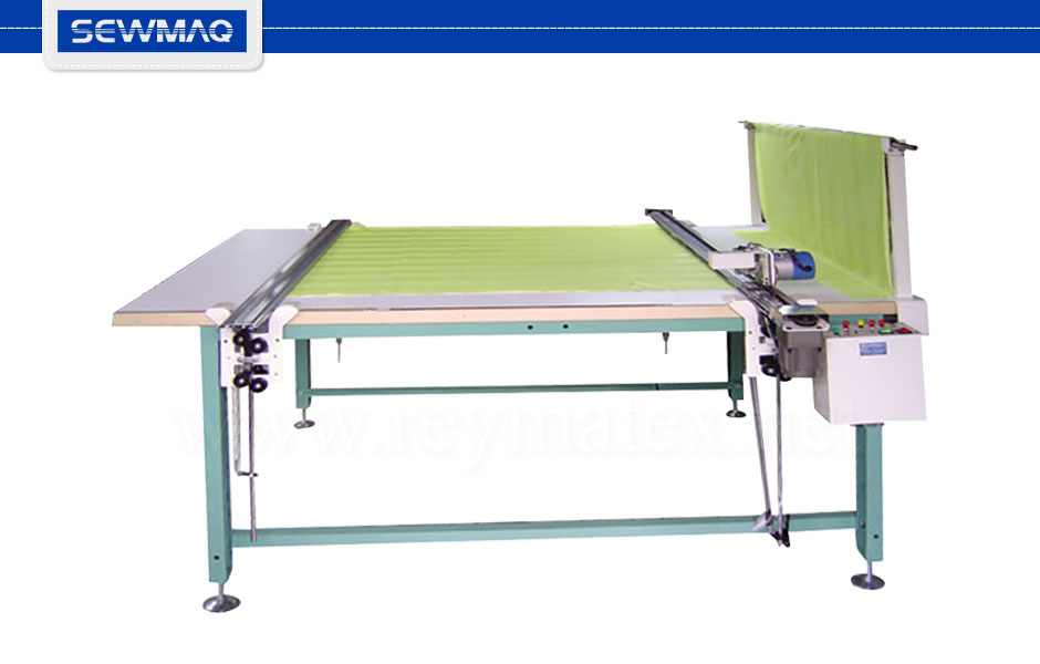 SW-390T-300/360 - 0A6202A Guía de corte de accionamiento automática. Incluye portarrollos, guía de corte, máquina de cortar con mango y guía para sujeción del tejido para el final de la mesa. Longitud barras 3.00m. 0A6208 Longitud barras 3.60m. Cutting fabric guides of automatic use. Include the roller of fabric holder, cutting guide, cutting machine with handle and guide to hold the machine at the end of the table. 0A6208 Guides length 3.00m 0A6208A Guides length 3.60m